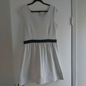 Xhiliration cream dress XL